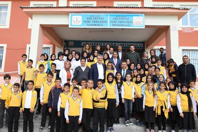 Vali Ekinci'den Çevre Beratı alan okula ziyaret