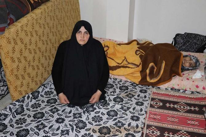 Suriyeli engelli kadın ile felçli annesi yardım bekliyor