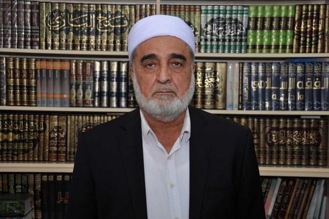 Yahudi ve Hıristiyanları dost (veli) edinmek Allah'a, İslamiyet'e ihanettir