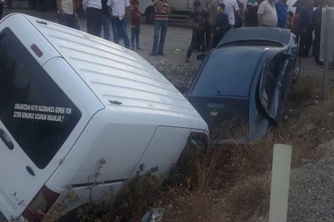 Kozluk'da kaza: 2 yaralı