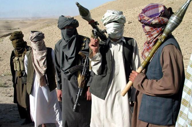 Afganistan'da 21 asker öldürüldü