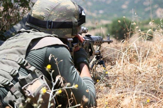 Gürpınar'da gri listedeki PKK'li öldürüldü