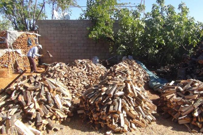 Soğuklar başladı fakat odun ve kömür satıcıları memnun değil