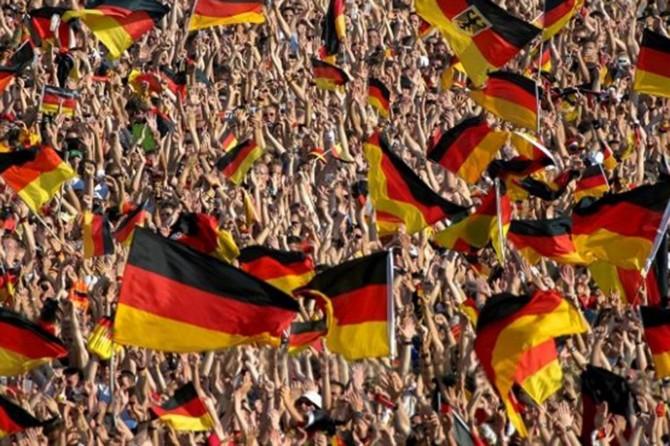 """Almanya'da """"Nazizme karşı acil durum"""" ilan edildi"""