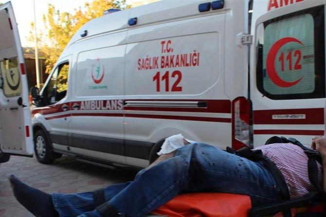 İslahiye'de hafriyat kamyonu ile otomobil çarpıştı: 2 ölü 1 yaralı