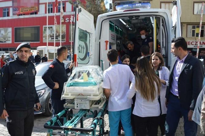 Hastanede yangınında 6'sı bebek 23 kişi dumandan etkilendi