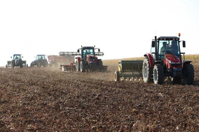 Çiftçilerin buğday ekim mesaisi endişeli başladı