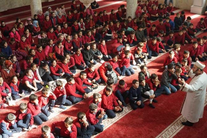 Siirt'te ortaokul öğrencileri Hazreti Muhammed için mektup yazdı