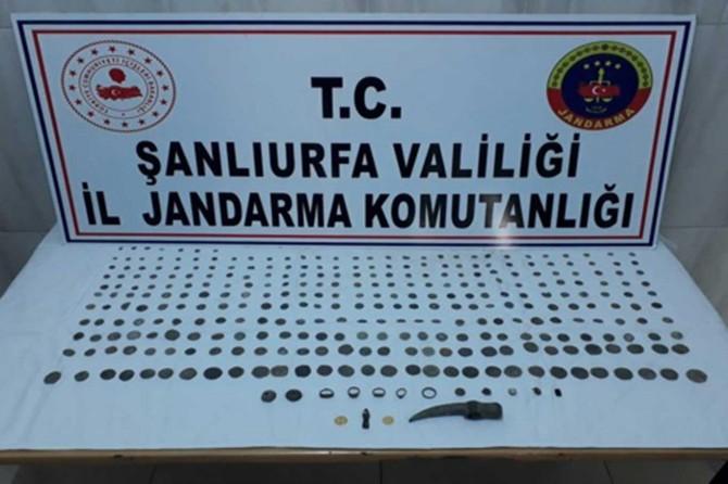 Şanlıurfa'da kaçakçılık operasyonunda 3 kişi tutuklandı