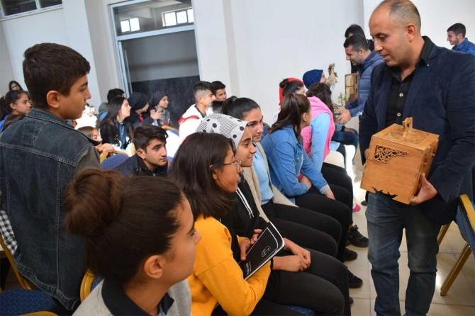 Sanat ustası öğrencilerle buluştu