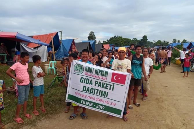 Umut Kervanı depremle sarsılan Filipinler'de yardım çalışmalarına başladı