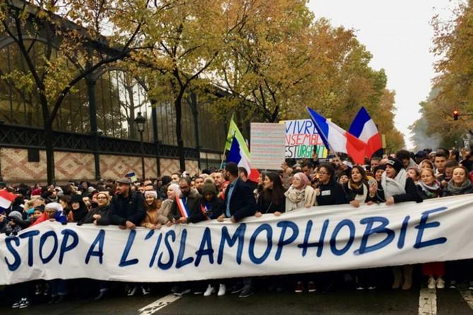 İslam düşmanlığı Fransa'da protesto edildi
