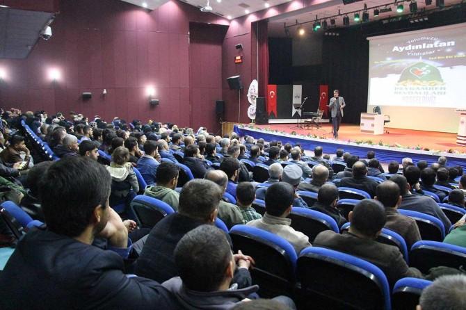 """""""Yolumuzu Aydınlatan Yıldızlar"""" konferansı düzenlendi"""