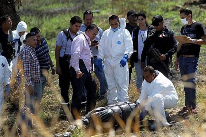 Meksika'da 12 kişiye ait ceset parçaları bulundu