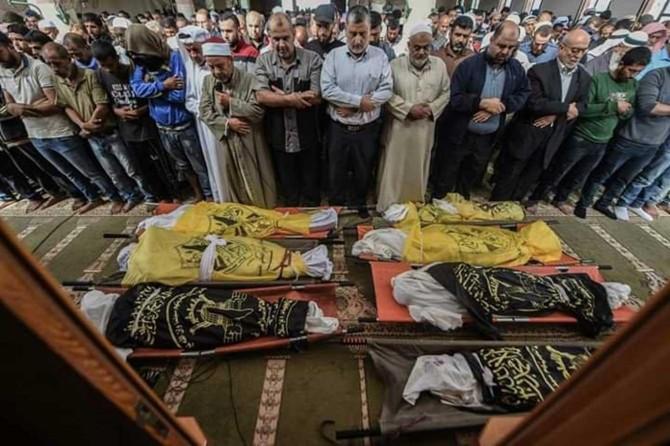 Gazze şehidleri son yolculuklarına uğurlandı