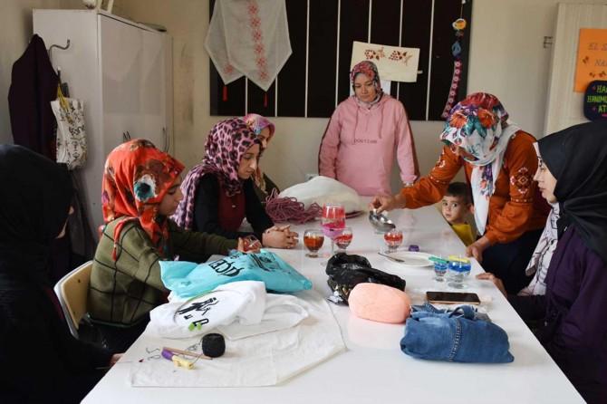 Kadınlar Hilvan Belediyesi ile meslek sahibi oluyor