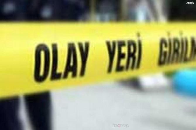 Bakırköy'de aynı dairede 1'i çocuk 3 cansız beden bulundu