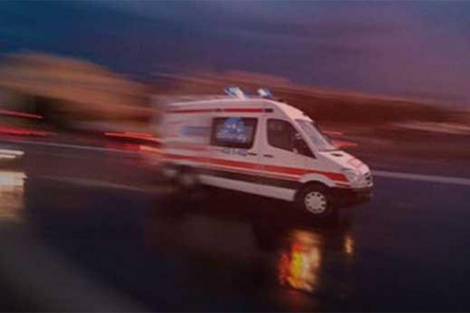 Aksaray'da yolcu otobüsü devrildi: 1 ölü 37 yaralı