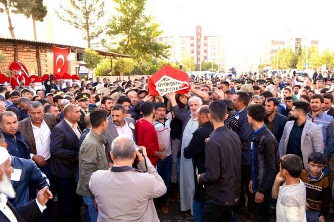 Akçakale'de PKK/YPG saldırısında hayatını kaybeden MEB personeli defnedildi