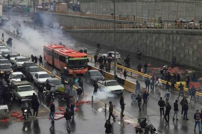 Security forces may act against protests: Iranian officials
