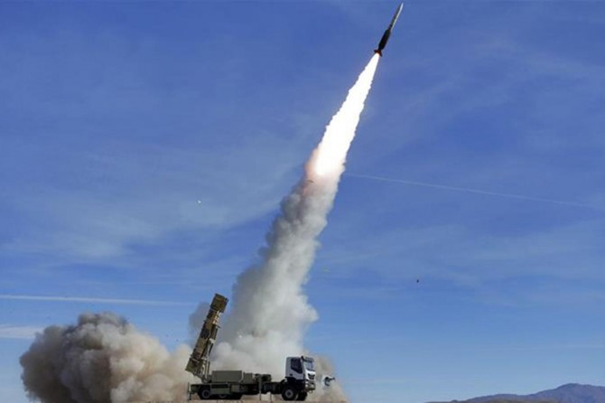 Pakistan nükleer kapasiteli füzesini test etti