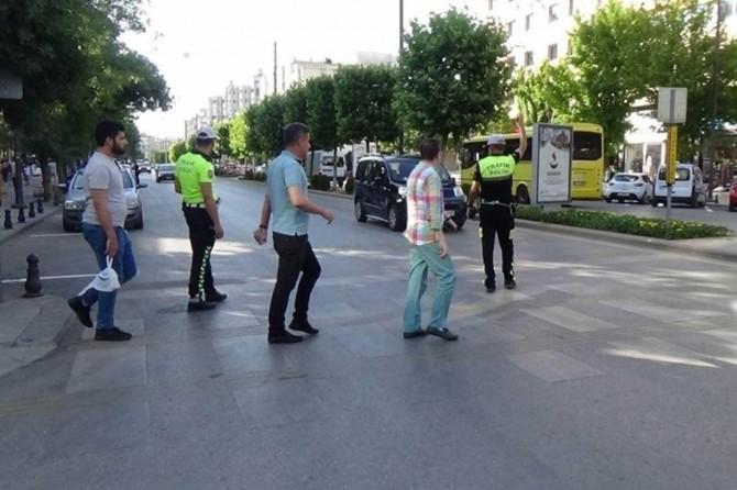 Gaziantep'te 20 yayaya kırmızı ışık cezası