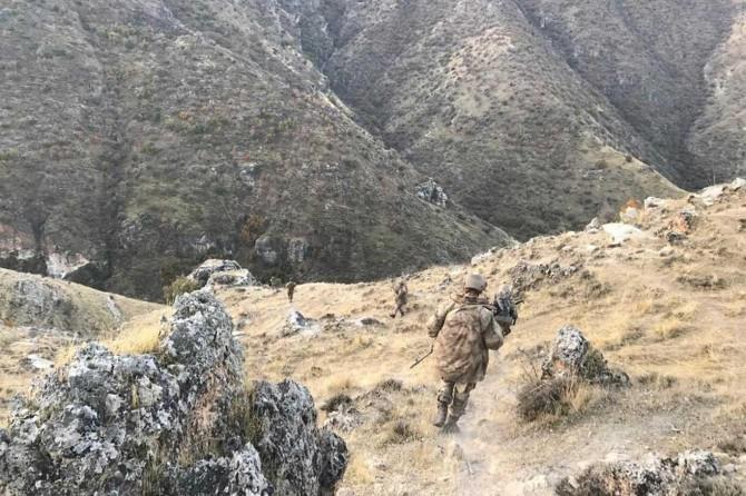 Siirt'te PKK'nin mağaraya gömdüğü EYP imha edildi