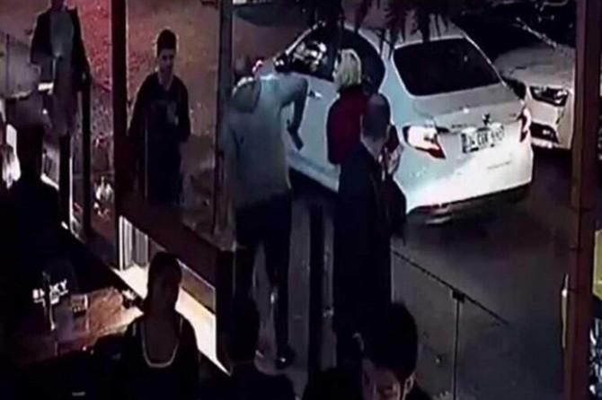 Beşiktaş'ta başörtülü öğretmene saldıran zanlı tutuklandı