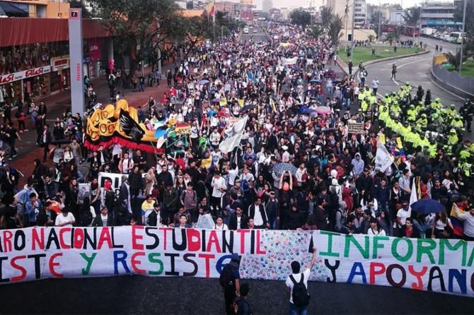 Kolombiya'da protestolar yeniden başladı