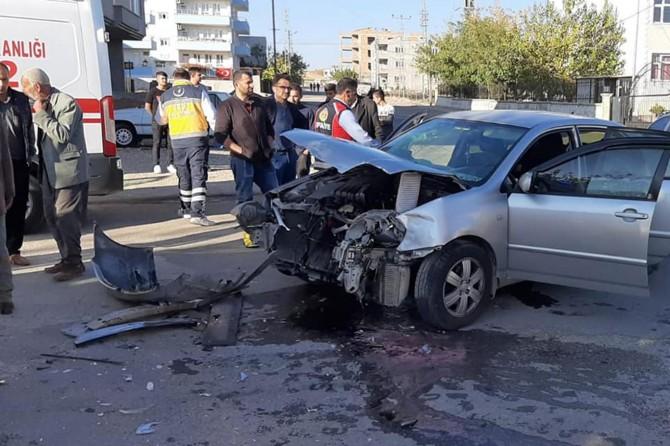Kâhta'da trafik kazası: 2 kişi yaralandı