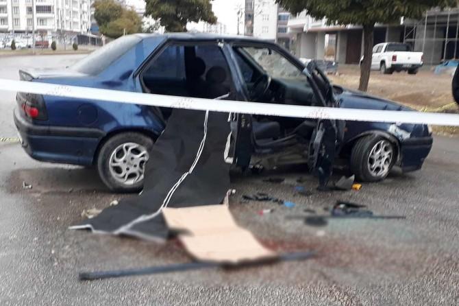 Elazığ'da takla atan araçta 1 kişi öldü 2 kişi yaralandı