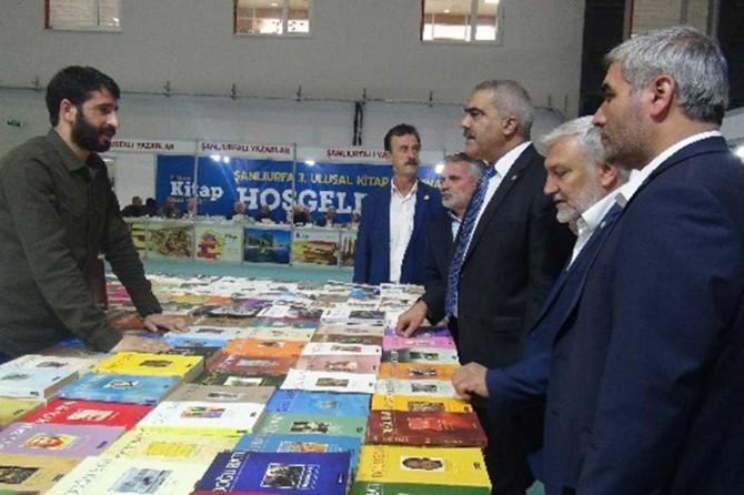 HÜDA PAR Şanlıurfa İl Başkanlığından kitap fuarına ziyaret