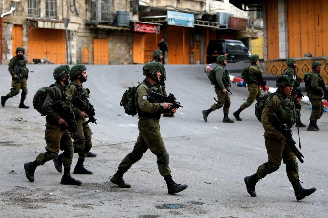 13 Palestinians kidnapped by zionist gangs in W. Bank
