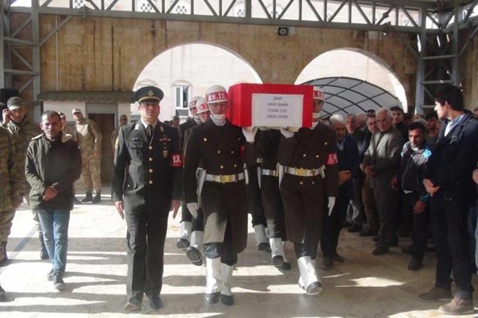 Kaza kurşunuyla hayatını kaybeden asker toprağa verildi