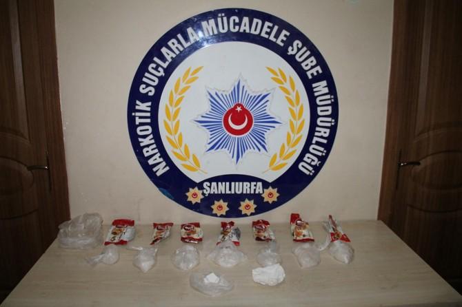 Şanlıurfa'da kek ambalajına gizlenmiş uyuşturucu ele geçirildi