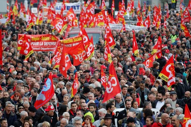 Fransa'da büyük grev hayatı felç etti
