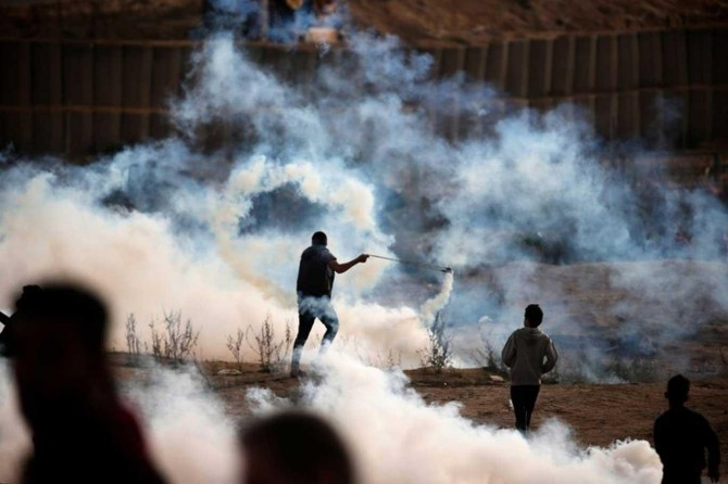 Zionist gangs injure 37 Palestinians in renewed Return March protests