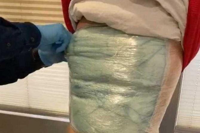 Van Ferit Melen Havalimanında vücuduna uyuşturucu saran şahıs yakalandı