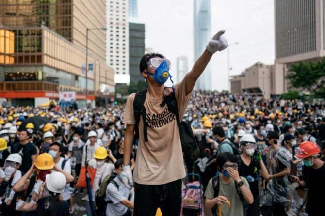 Hong Kong'da geniş katılımlı yürüyüş düzenlendi
