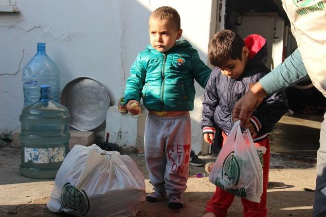 Umut Kervanı aylık gıda yardımlarını gerçekleştirdi