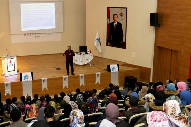 """Kur'an Bize Yeter Söylemi"" konulu konferans"