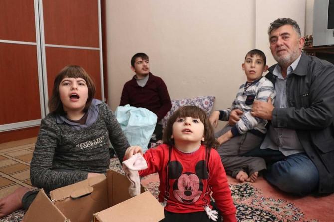Engelli 4 çocuğu olan Suriyeli aile yardım bekliyor