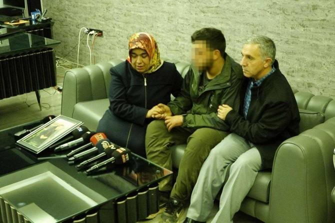 Dayika Xatîce bi lawê xwe yê ku ji PKKê rizgar bû re hevdîtin kir
