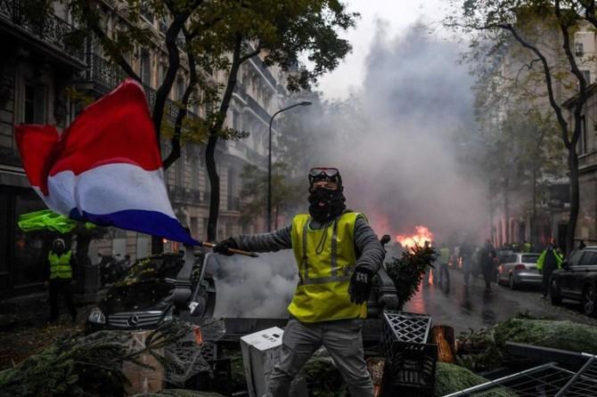 Paris eylemlerine yoğun güvenlik önlemleri