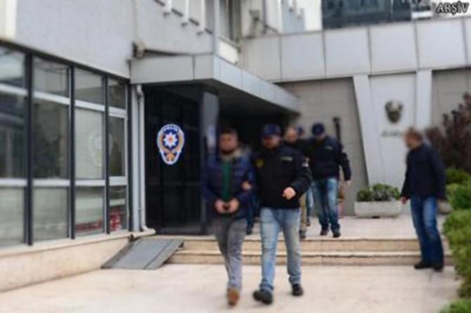 İran'dan giriş yapan PKK/YPG'li, HDP'li başkanla birlikte yakalandı