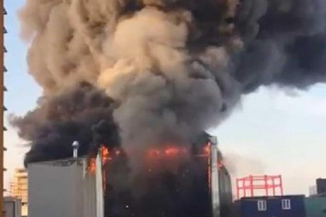 Yalova'nın Altınova tersaneler bölgesinde yapılan tersane yanarak küle döndü