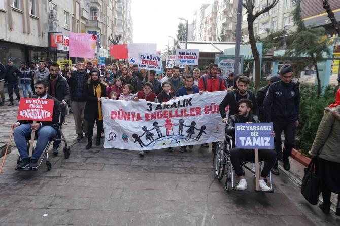 Siirt'te engelliler farkındalık oluşturmak için yürüdüler