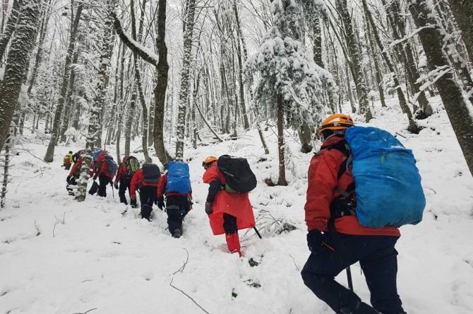 Bursa'da kaybolan dağcıları arama çalışmalarına ara verildi