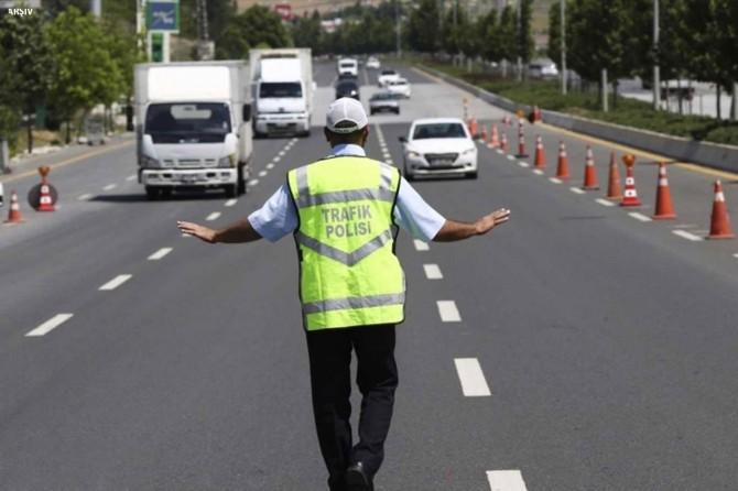 Adana'da bir ayda 2 binden fazla araç trafikten men edildi