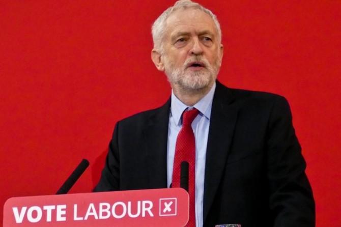 İngiltere İşçi Partisi lideri Corbyn istifa edeceğini açıkladı
